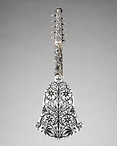 Cittern  Joachim Tielke  (1641 - 1719)    Date:      ca. 1685  Geography:      Hamburg, Germany  Medium:      Wood, ivory, ebony and other materials