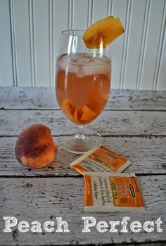 Perfect Peach Herbal Tea tea from Bigelow. Find perfect peach herbal ...