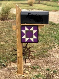 Barn Quilt Designs, Barn Quilt Patterns, Quilting Designs, Outside House Colors, Quilt Racks, Farm Landscaping, Pallet Barn, Painted Barn Quilts, Barn Signs