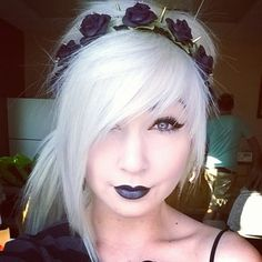Scene Girl Fashion Tip Nº12: Headband to accentuate fringe - http://ninjacosmico.com/22-style-tips-scene-girl/