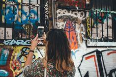 Todo el mundo conoce Instagram, pero no son muchos los que saben utilizarlo con eficiencia para su negocio en su labor de marketing online.  En éste artículo encontrareis 30 consejos muy útiles sobre cómo emplear mejor esta red social (propiedad de Facebook)