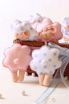 Ovejas de fieltro para bebés
