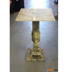 Colonna e base in marmo con scacchiera da soggiorno o giardino