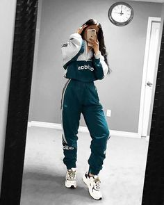 View all pictures, buttons and outfits from Tamana ( on 21 Buttons Lazy Outfits, Cute Comfy Outfits, Teenage Outfits, Sporty Outfits, Teen Fashion Outfits, Swag Outfits, Mode Outfits, Trendy Outfits, Nike Fashion Outfit