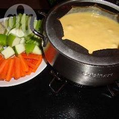 Fondue suíço clássico @ allrecipes.com.br - Essa é uma receita típica e clássica de fondue de queijo.