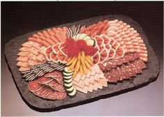 cold plate kalte Platte - Everything About Appetizers Finger Food Appetizers, Appetizers For Party, Finger Foods, Appetizer Recipes, Diy Party Platters, Party Buffet, Food Platters, Birthday Party Snacks, Snacks Für Party