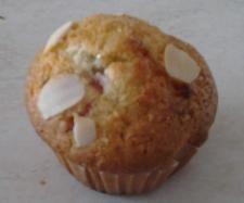 Recette Muffins fraise,chocolat blanc et amande par christelle 38 - recette de la catégorie Desserts & Confiseries
