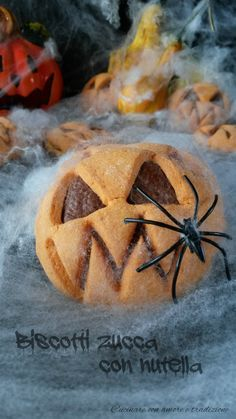 Nutella, Halloween Trick Or Treat, Halloween Party, Biscotti, Mini Desserts, Pumpkin Carving, Food And Drink, Treats, Cookies