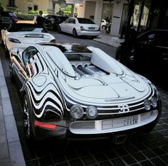 Bugatti has released a short documentary video detailing the story of its one-off Veyron L'or Blanc, a supercar dressed in the finest of porcelain. Fast Sports Cars, Exotic Sports Cars, Sport Cars, Bugatti Cars, Bugatti Veyron, New Luxury Cars, Car Memes, Expensive Cars, Sexy Cars