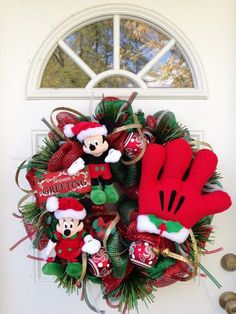 Christmas Wreath Mickey and Minnie Mouse by SparkleForYourCastle