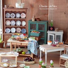 Wonderful shabby/country miniatures