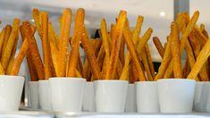 Sajtos rúd bögrésen - nlc.hu Rum, Carrots, Keto, Vegetables, Food, Carrot, Meal, Eten, Vegetable Recipes