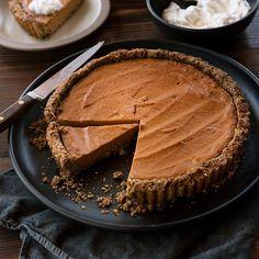 Fall Recipes for Tarts and Pies Pumpkin Tart with Pecan-Shortbread Crust Pecan Recipes, Pumpkin Pie Recipes, Tart Recipes, Dessert Recipes, Fall Desserts, Healthy Desserts, Pumpkin Tarts, Healthy Pumpkin Pies, Pumpkin Spice