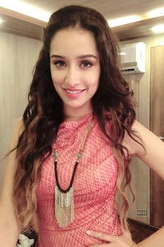 wallpapers, bollywood celebrity, Shraddha Kapoor in Indian outfit, Indian outfits of bollywood celebrities Beautiful Bollywood Actress, Beautiful Indian Actress, Beautiful Actresses, Indian Celebrities, Bollywood Celebrities, Bollywood Stars, Bollywood Fashion, Bollywood Outfits, Shraddha Kapoor Cute