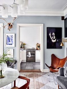 Summer Blues: 11 Super-Cool Rooms to Soothe Your Senses #ButterflyChair