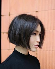 60 Layered Bob Styles: Modern Haircuts with Layers for Any Occasion - Hair styles - Asian Brown Jaw-Length Bob - Line Bob Haircut, Short Bob Haircuts, Modern Haircuts, Bob Haircut Fine Hair, Short Thick Hairstyles, Asian Haircut Short, Short Blunt Haircut, Short Blunt Bob, Quick Braided Hairstyles
