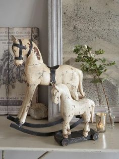 vintage Wooden horses, my new obssesion