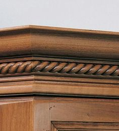 Kraftmaid Classic Crown Molding With Rope Insert