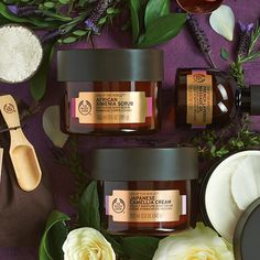 Inspired by the world's most treasured beauty secrets, the Relaxing Ritual infuses delicate flowers and textures to take body and mind to a calm and peaceful place. Combine the relaxing formulas of Japanese Camellia Cream, African Ximenia Scrub and French Lavender Massage oil to get the perfect relaxation trio.