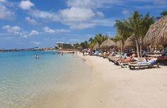 Dia 4: Curaçao   É paraíso que chama?  Que praia que cidade encantadora é Curaçao meu pai tinha razão!  A água do mar não estava tão quentinha quanto as praias do nordeste brasileiro afinal estamos no inverno mas também não chega a ser fria no primeiro mergulho já fica uma delícia. Ficamos 2 horas na praia de 11:45 às 13:35 quando o ônibus do tour veio nos buscar.  #curacao #caribe #caribbeansea #norwegiancruises #norwegianepic #descansanavolta #caribbean #sourbbv #viagenscomfilhos 35, Dolores Park, Beach, Water, Travel, Outdoor, Instagram, Sea Spray, Diving