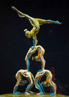 On a terribly rainy day, it was a nice change to spend some time indoors seeing and photographing the acrobatics in Cirque du Soleil's new show Kurios – Cabinet of Curiosities from director Michel Laprise. Circus Aesthetic, Kinds Of Dance, Acrobatic Gymnastics, Circus Performers, Circus Art, Contortionist, Aerial Arts, Rwby, Beautiful Day