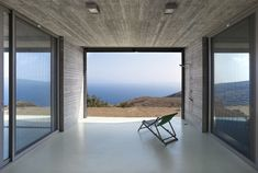 Parallel House by En Route Architects « Inhabitat – Green Design, Innovation, Architecture, Green Building Greece Architecture, Contemporary Architecture, Arch Architecture, Architecture Awards, Bungalow, Exposed Concrete, Architect Design, Large Windows, Solar Panels