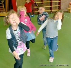 pirate game - great for dancing inside plus 10 movement games for young children / 10 beweeg spelen voor jonge kinderen | AngeliqueFelix.com