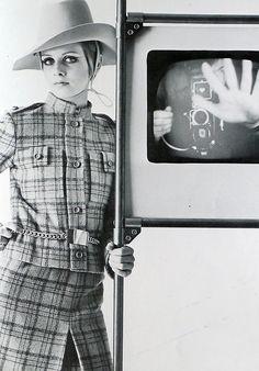 Twiggy, photo by Bert Stern for Vogue Italia, 1967