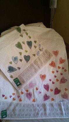 tampón de.esponja.  sobre toallas.