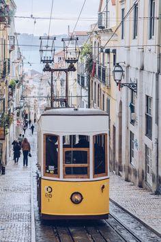 Le fameux funiculaire de la Bica à #Lisbonne. #Lisbon #Lisboa