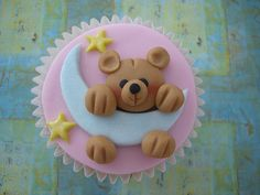 Teddy Moon Cupcake