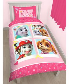 This reversible Paw Patrol Single Duvet Cover Set has two great designs to choose from. The first features Everest, Skye and Marshall posing in Polaroid style images on a pink background, whilst the reverse features outline images of Everest, Marshall and Skye accented by stars and paw prints in a repeated pattern.