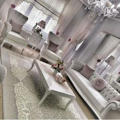 Living Room Decor 2018, Living Room Accents, Living Room Interior, Living Room Designs, Elegant Living Room, Classic Furniture, Interior Exterior, Home Wedding, Home Decor Furniture