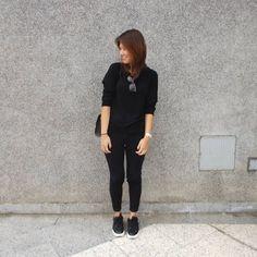 """1,633 Me gusta, 342 comentarios - Lúcia Cristina Chan (@lucitacris) en Instagram: """"Monday's are for wearing all black. #fromwhereistand"""""""