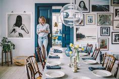 Scandinavian decor, bohemian style, blue door, gallery wall, vintage decor. Krickelin, blå dörr, loppisfynd, tavelvägg.