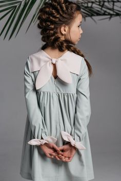 Light-olive dress for girl with cute white knitting needles on the sleeves and shoulders. School dress, casual dress for girl years old Light-olive dress for girl with cute white knitting needles on the. Girls Casual Dresses, Little Girl Outfits, Little Girl Fashion, Little Girl Dresses, Cute Dresses, Kids Outfits, Kids Fashion, Dress Casual, Little Girls