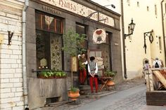 Where to Eat in Tallinn Old Town: 10 Amazing Places You'll Love - Dutch Wannabe 3 Days In Amsterdam, Amsterdam Red Light District, Amsterdam Photos, Visit Amsterdam, Amsterdam City, Amsterdam Travel, Best Vacations, Vacation Trips, Amsterdam Souvenirs