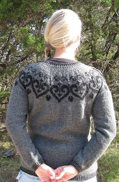 A Texas Girl Knits Ironheart Pullover Valentine Sweater Fair Isle Knitting, Knitting Yarn, Knitting Patterns, Knitting Ideas, Knit In The Round, How To Purl Knit, Knit Picks, Stockinette, Knitting Accessories