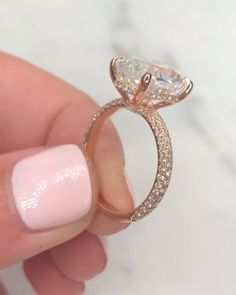 diamond engagement rings are really beautiful Pic# 8088350403 How To Have Style, Ring Verlobung, Dream Ring, Diamond Are A Girls Best Friend, Beautiful Rings, Beautiful Dream, Diamond Rings, Solitaire Rings, Solitaire Diamond