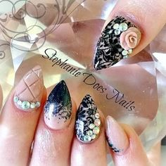 """""""Client request inspired by @_stephsnails_ Check me out on Facebook www.facebook.com/stephaniedoesnails #acrylicnails #stephaniedoesnails #nailartaddict…"""""""