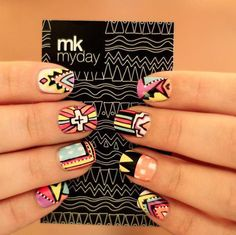 Tribal print nails♡