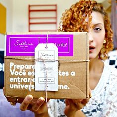 Meus amores, uma boa notícia antes de dormir: Quem se lembra da Ritual Box Acorda, Bonita!? Aquela caixinha assinada por mim, recheada de cosméticos naturais e veganos