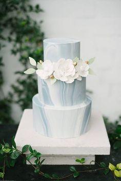 modern decorated cakes | 27 Edgy Modern Wedding Cakes That Wow | Decor Advisor #modernweddingcakes #weddingdecoration