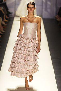 Oscar de la Renta Spring 2003 Ready-to-Wear Fashion Show - Carmen Kass, Oscar de la Renta