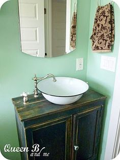 Love this repurposed bowl for the sink! I have Rectangle old one from old fridge