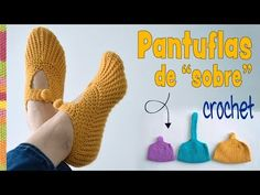 We've discovered these crocheted pocketbook slippers. We are always try to show unique ideas and here is these comfortable and useful pocketbook slippers. They can be a nice gift. It's an amazing project also great for those who love new and crazy ideas. Crochet Ripple, Crochet Shawl, Crochet Stitches, Knit Crochet, Learn Crochet, Crochet Cat Pattern, Crochet Dolls Free Patterns, Knitting Patterns, Cape Tutorial
