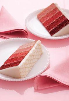 Pastel arcoíris: puedes elegir un solo tono y que éste se degrade o bien, varios colores para un pastel más vivo.