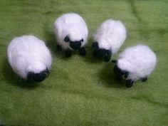 羊毛フェルト羊に還る