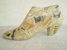 Chaussure en bois forme Decoupage Home Decor par LeftysHandcrafts