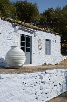 Greece - Ithaka: Perachori traditional house made from stone and limewashed